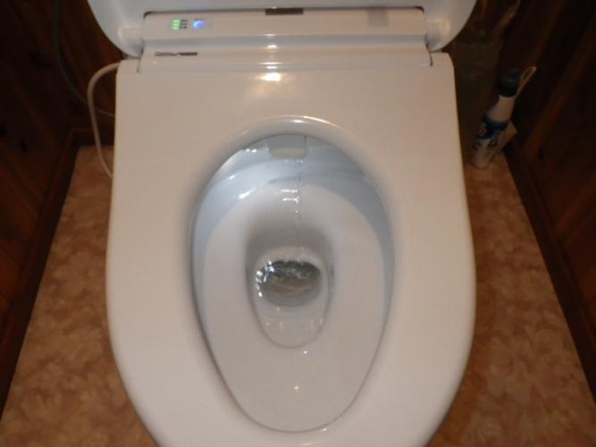 トイレ交換施工後